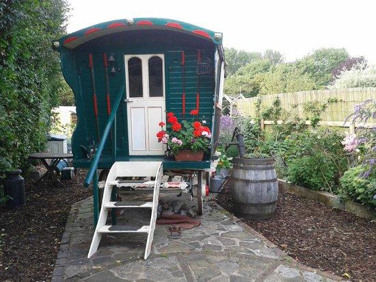 Manor Cottage Bed & Breakfast: Original Gypsy Caravan