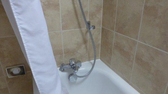 Best Western Chiswick Palace & Suites: Badewanne mit Dsucharmatur
