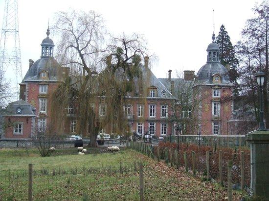 Domaine Du Chateau De La Neuville: hotel