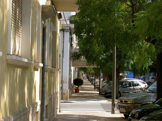 Hotel Menorca Patricia: Outside the hotel