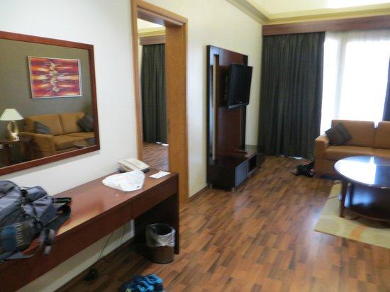 Al Khoory Hotel Apartments: Salon