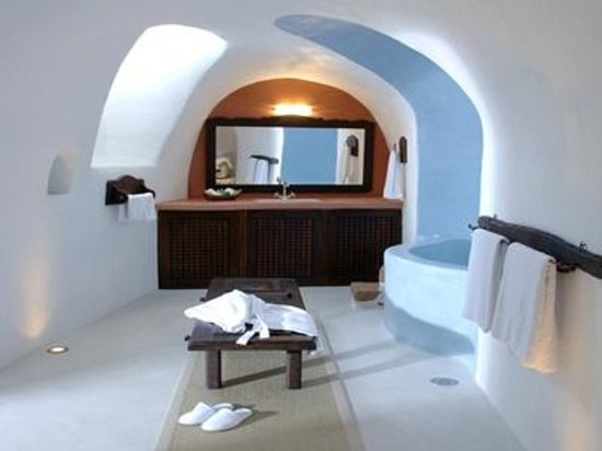 Villas and Mansions of Santorini: our exceptional Bathroom - just WOW!