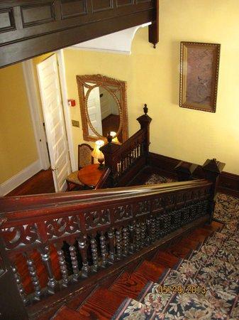 Queen Anne Hotel: Stairwell