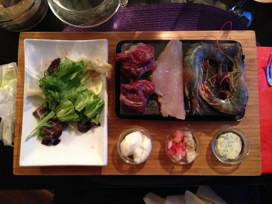 Bistrot Le Cortal: Surf 'n' turf hot stone