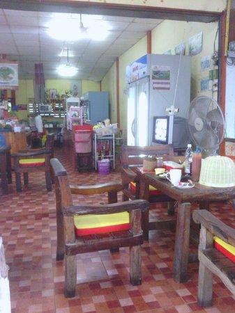 Food & Drinks: good atmosphere and tasty food