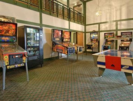 Days Inn by Wyndham des Moines Merle Hay: Games Room