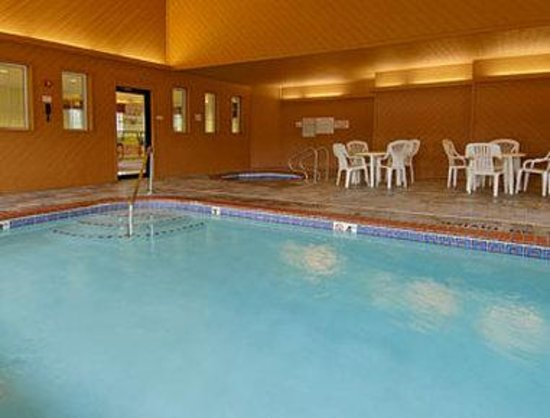 Days Inn Des Moines Merle Hay: Pool