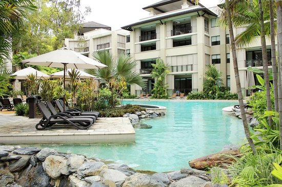 Pullman Palm Cove Sea Temple Resort & Spa: The resort pool