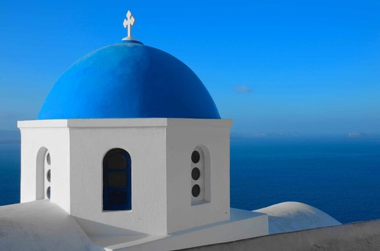 Pezoules: Church in Oia