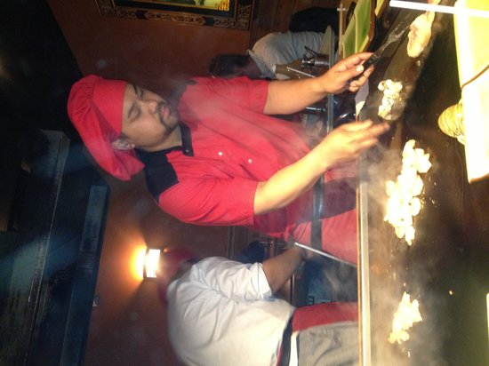 Teppanyaki Japanese House : Cooking in front of us = fun