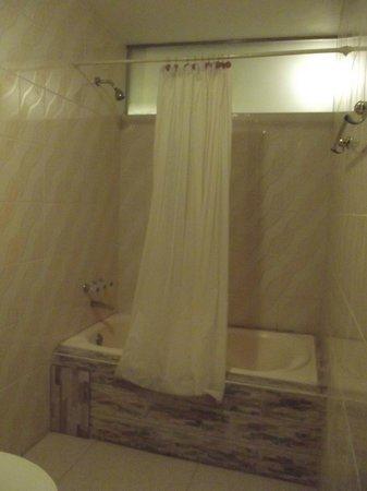 Hotel Ciudad del Lago: Salle de bains