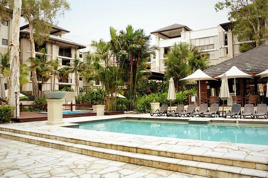 รีสอร์ทซีเทมเพิล & สปาปาล์มโคฟ: The second pool with the bar area