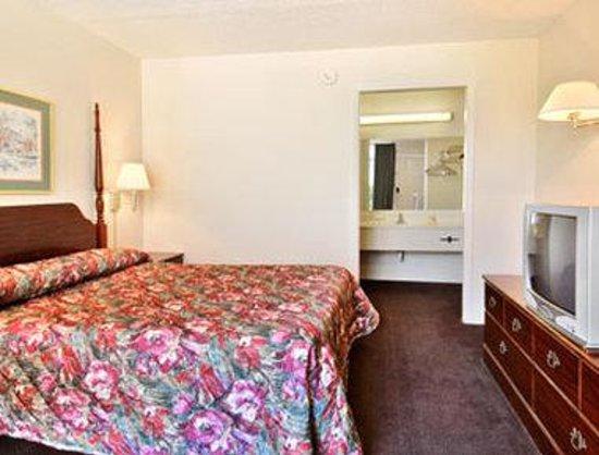 Motel 6 Cordele: Standard King Guest Room