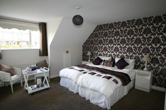 Maggie O's Bed & Breakfast: Homely spacious super king/twin ensuite bedroom