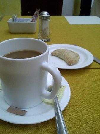 La Casa de los Patios: El pan hecho en casa...hmm, perfecto para el café.