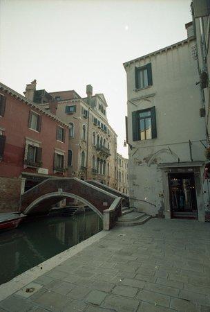 Locanda La Corte: Hotel entrance