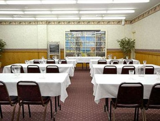 Elkins Inn & Suites: Meeting Room