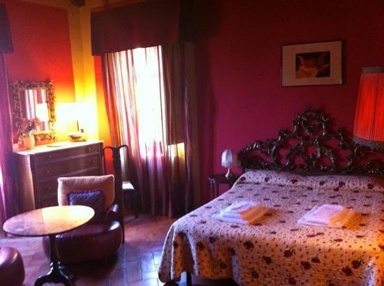 Castello di Pastine : luxury apt Francigena!