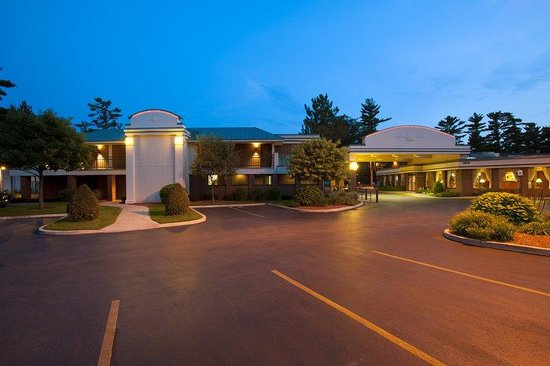Country Inn & Suites By Carlson, Traverse City: Exterior