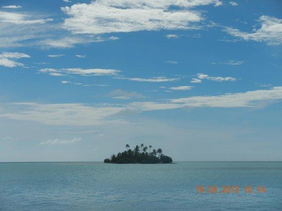 Mahaanaelhihuraa Island : Sunset island