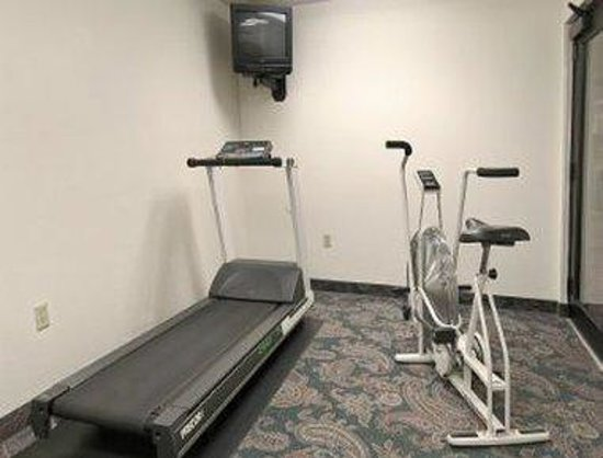 Days Inn Madison Northeast: Fitness Center