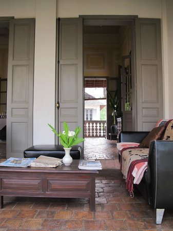 Satri House: Dining room