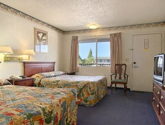Days Inn Yuba City: Standard Two Double Bed Room