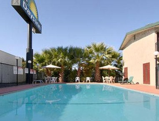 Days Inn Yuba City: Pool