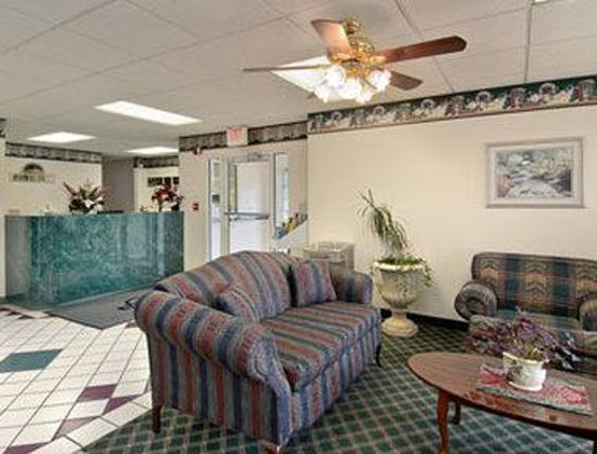 Days Inn Trenton : Lobby