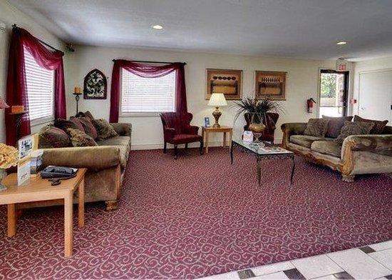 Super 7 Inn: lobby