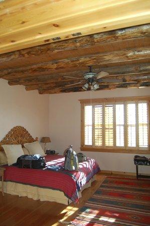 Blue Lake Ranch: Sunset Casita Bedroom