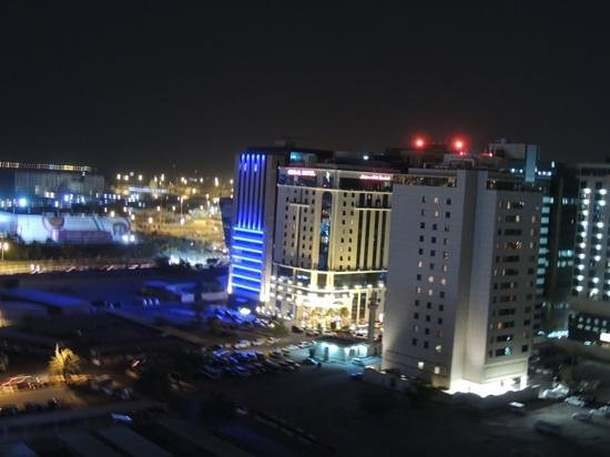 Swiss-Belhotel Doha: vista dalla camera 14piano