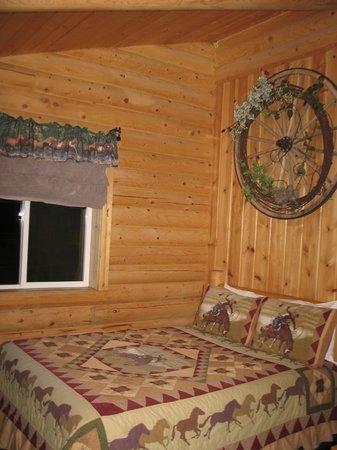 Cabin Creek Inn: Bedroom #1