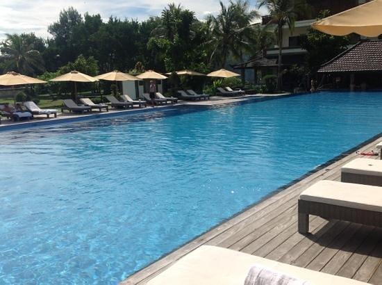 Hotel Ombak Sunset: pool