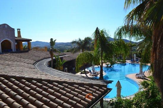 Cruccuris Resort: Ausblick vom großen Balkon einer Suite