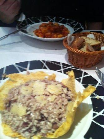 La Bella Napoli: gnochi e risoto de gorgonzola con radichio