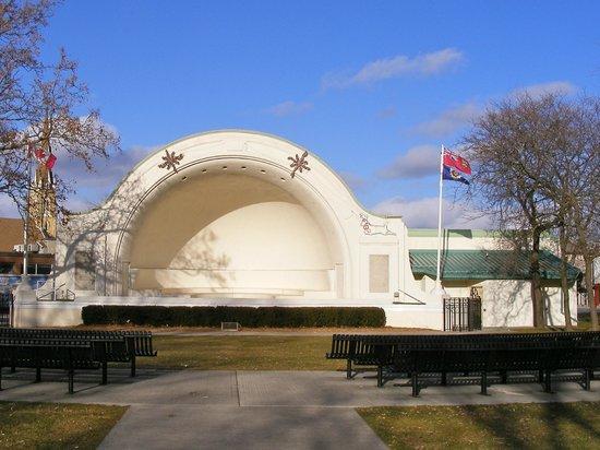 Memorial Park: Bandshell