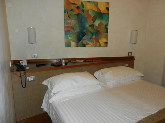 Best Western Hotel Piccadilly: Quarto