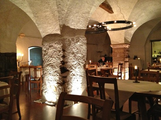Panholzer: inside the ancient cellar, serene with candlelight