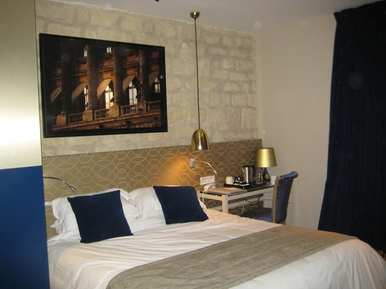 Hotel Atmospheres: room 124