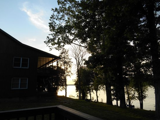 Kentucky Lakes / Prizer Point KOA: lake view from the cabin-back
