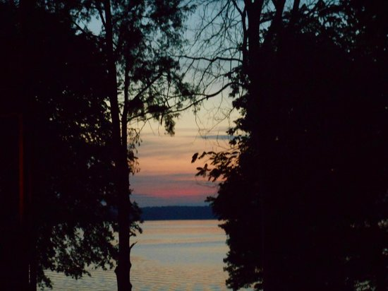 Kentucky Lakes / Prizer Point KOA: Sunset on the water