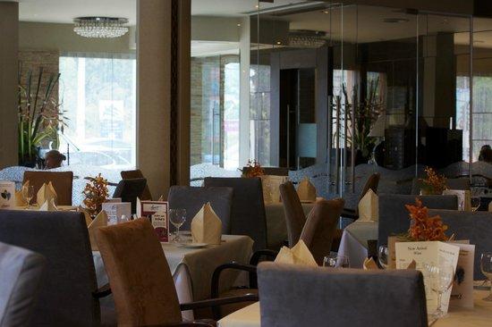 Bruno's Restaurant & Wine Bar : Dining area.