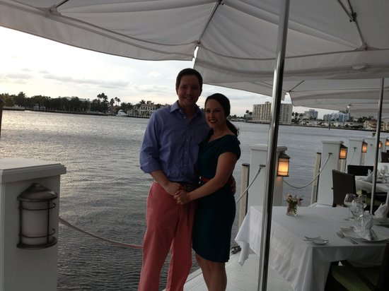 The Pillars Hotel Fort Lauderdale: Dinner by the water on our first night at The Pillars Hotel!