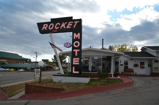 Rocket Motel : Hotel reception & entrance