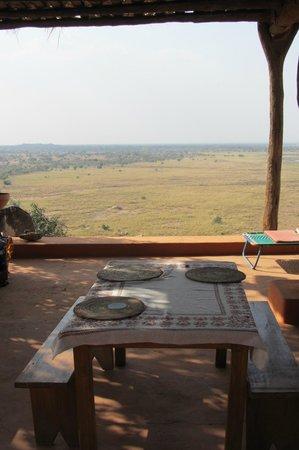 Campement de Thialy: La salle à manger surplombant la savane