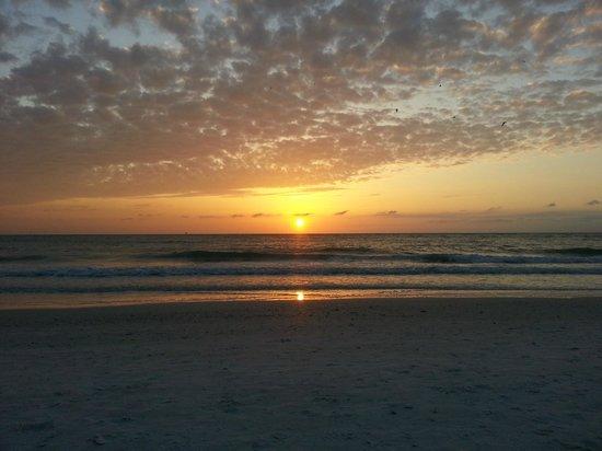 Camelot Beach Resort: The Sunset