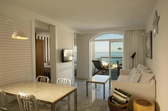 Marina Bayview: Our Room