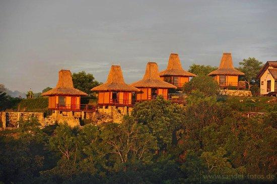 Peter's Magic Paradise: Blick vom Hügel auf das Resort