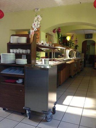 Restaurant Que Huong